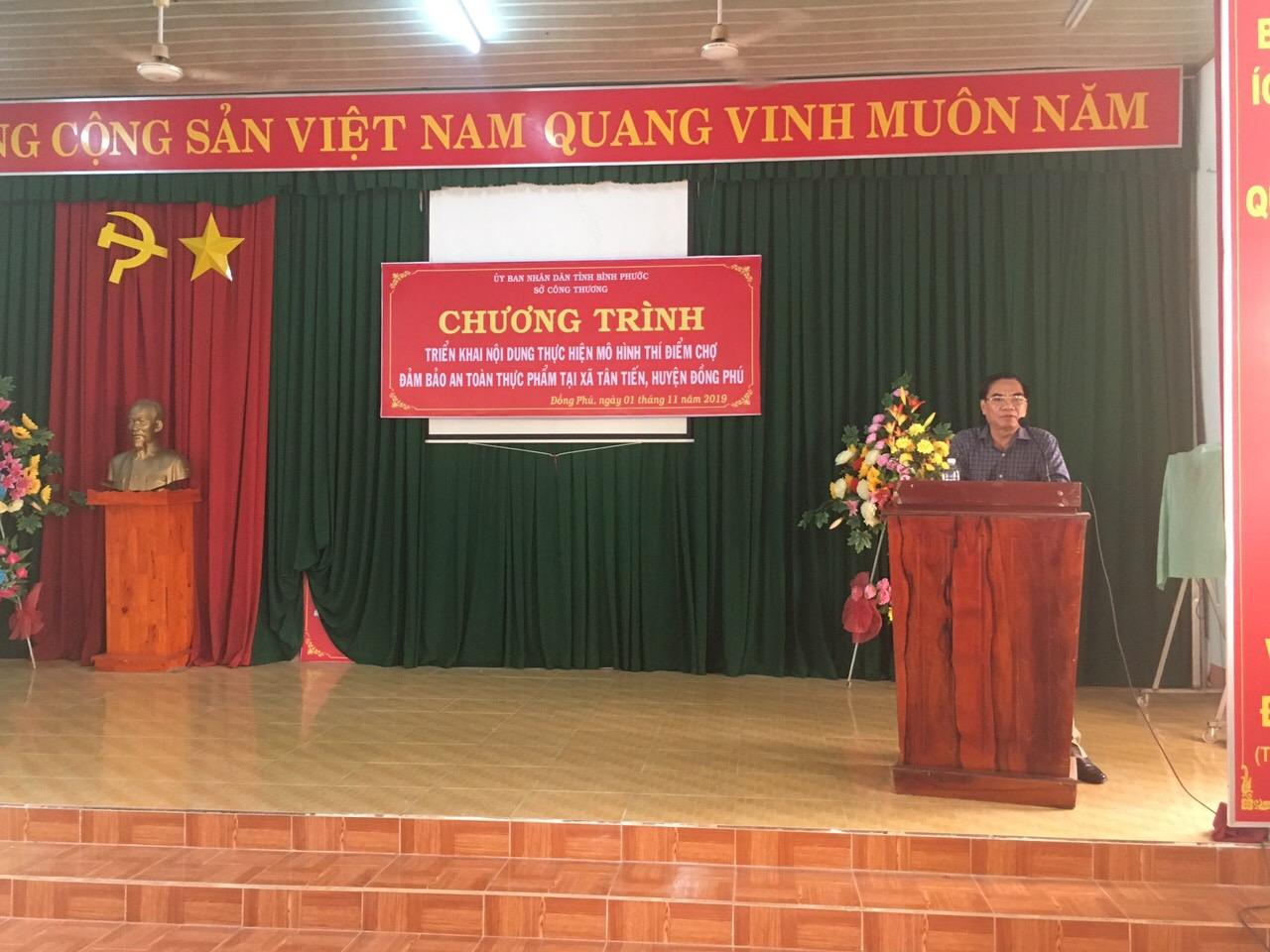 Ông Nguyễn Văn Hiếu - PGĐ Sở Công Thương phát biểu tại Chương trình