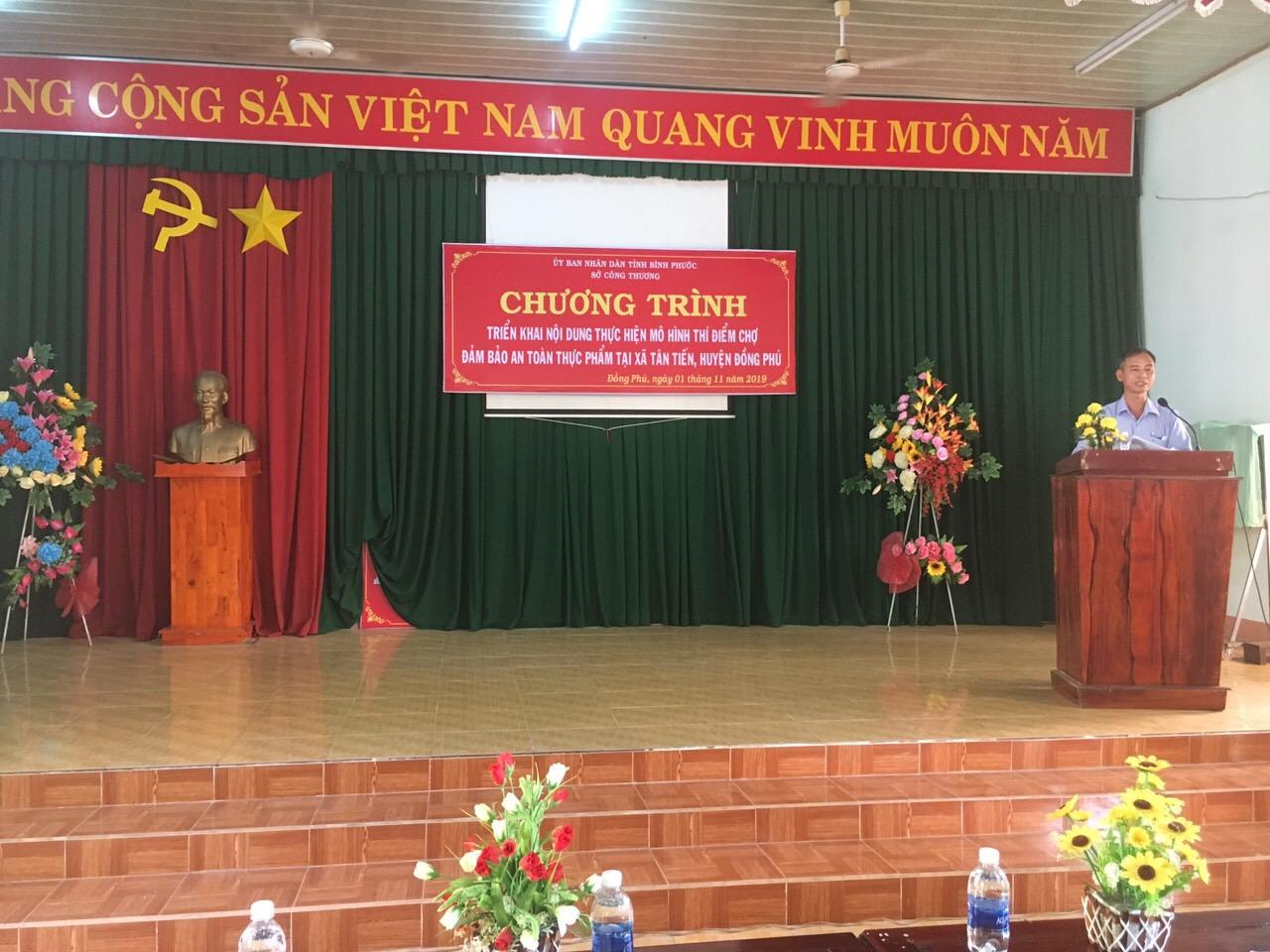 Ông Nguyễn Văn Tặng phát biểu tại chương trình